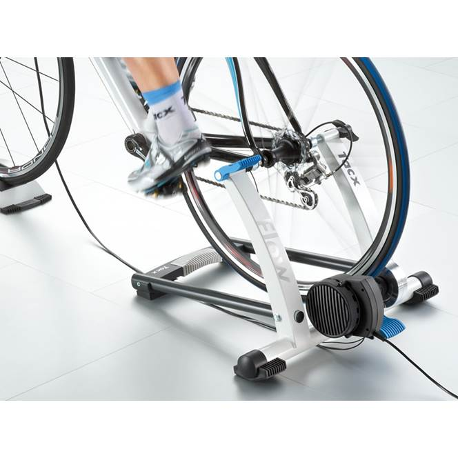Tacx Flow T2200 Computer Trainer With Skyliner
