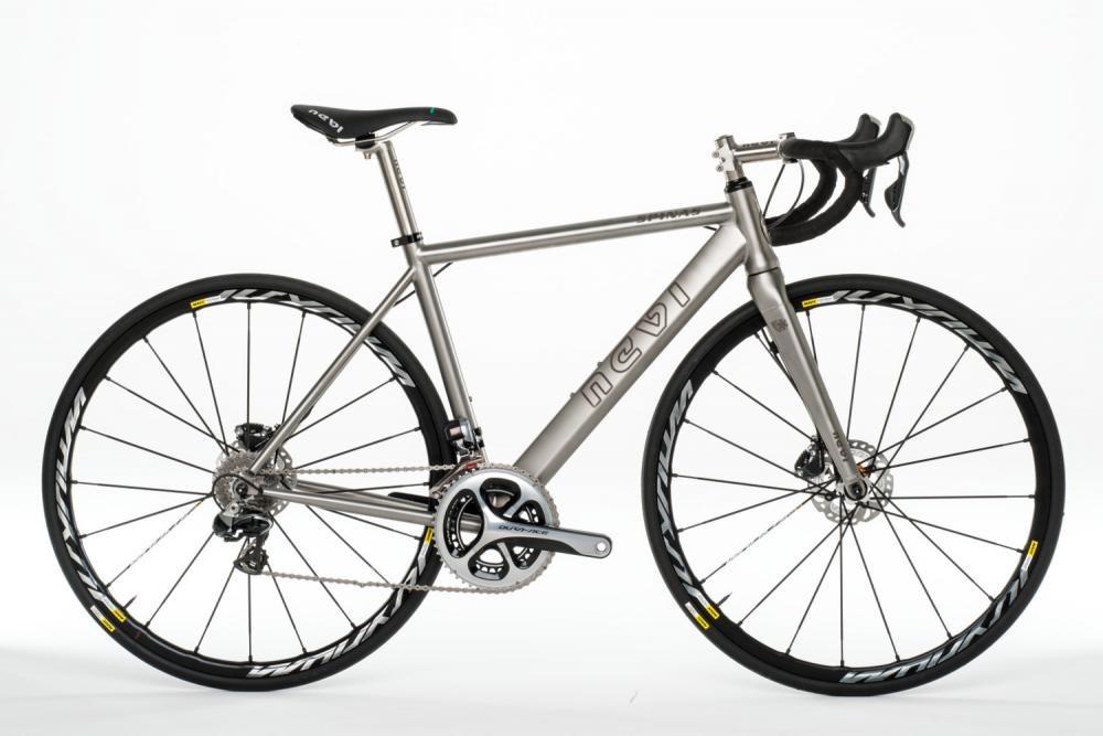 Nevi Titanium Bikes : Spinas Disc Handmade Italian Titanium FRAME - 700